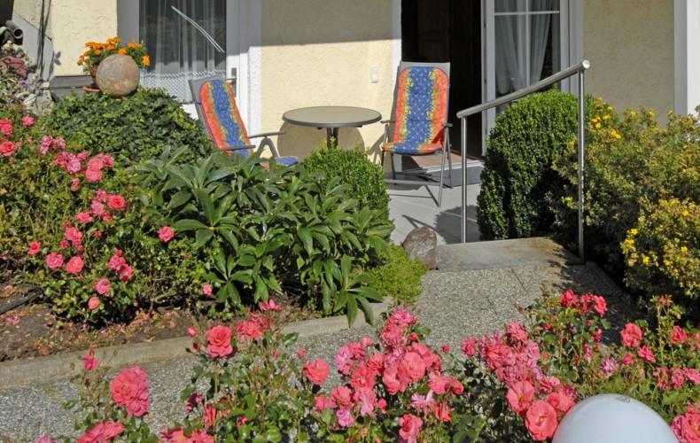 Terrasse der Ferienwohnung im Erdgeschoss